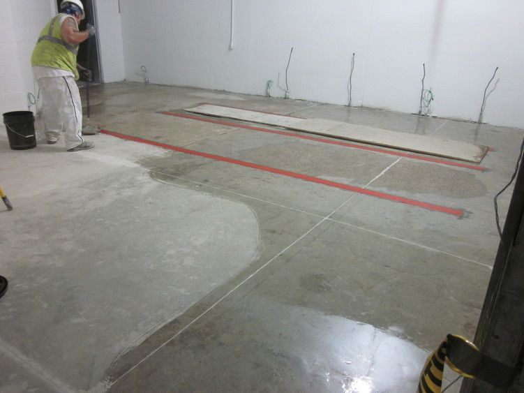 Apply Sealer Concrete with a Roller